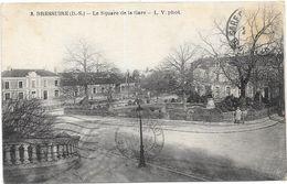 BRESSUIRE : LE SQUARE DE LA GARE - Bressuire