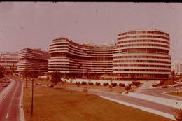 Photo Diapo Diapositive Slide ETATS UNIS N°10 Washington Hôtel Watergate VOIR ZOOM - Diapositives