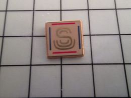 415b Pin's Pins / Rare & Belle Qualité !!! THEME : ADMINISTRATIONS / LE SENAT Par BERAUDY - Administrations