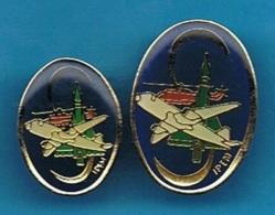 2 PIN'S //  ** M .C .S .A . / SIPEM ** - Avions
