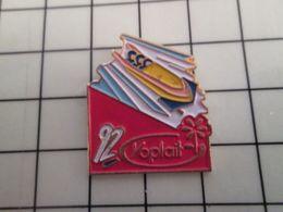 415b Pin's Pins / Rare & Belle Qualité !!! THEME : JEUX OLYMPIQUES / ALBERRTVILLE 1992 YOPLAIT BOBSLEIGH Par FB - Olympic Games