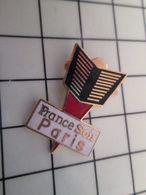415b Pin's Pins / Rare & Belle Qualité !!! THEME : MEDIAS / JOURNAL DU SOIR DISPARU FRANCE SOIR PARIS - Médias
