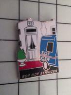 415b Pin's Pins / Rare & Belle Qualité !!! THEME : EDF GDG / ANNEE 1992 EDF GDF SERVICES Par DECAT - EDF GDF