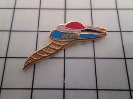 415b Pin's Pins / Rare & Belle Qualité !!! THEME : ALIMENTATION / GERVAIS CORNET DE GLACE FACON PICASSO OU DALI - Alimentation