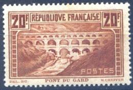 France N°262 (Pont Du Gard) Neuf* - Cote 325€ - (F1550) - Used Stamps