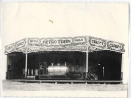 """Superbe Photo D'un Carrousel ( Manège De Foire ) """"Métro-Train, Ici à Cuesmes En 1945 - Spectacle"""