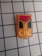 415b Pin's Pins / Rare & Belle Qualité !!! THEME : SPORTS / CBC CLUB BASKET CAEN CALVADOS - Baloncesto