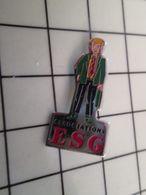 415b Pin's Pins / Rare & Belle Qualité !!! THEME : ASSOCIATIONS / ESG De Bons Petits Capitalistes Idéologues Par ANANAS - Associations