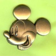 Pin's BD Disney Mickey Tête (Relief) - 7EE04 - Disney