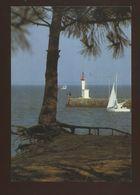 Phare De Boyardville à L'entrée Du Port (17) - Lighthouses