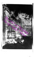 Loupé Négatif Photo N&B Vintage / Chevauchement Supperposition De 2 Clichés / Personnages & Paysage / Surréalisme - Diapositives