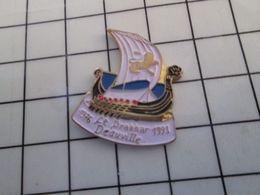 115e Pin's Pins / Rare & Belle Qualité !!! THEME : BATEAUX / LE DRAKKAR DEAUVILLE 1976 1991 BAR BRASSERIE - Barcos