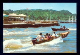 BRUNEI River With A Hawkers' Centre At Left, Brunei E. Malaysia / Postcard Not Circulated - Brunei