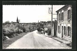 CPA La Selle-sur-le-Bied, Route Courtenay - Courtenay