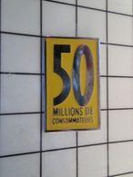 115e Pin's Pins / Rare & Belle Qualité !!! THEME : MEDIAS / REVUE MAGAZINE 50 MILLIONS DE CONSOMMATEURS Par ACTION ONE - Médias