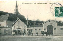 N°1725 R -cpa Montier En Der -cour Intérieure Du Haras- Les Attelages- - Montier-en-Der