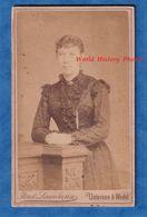 Photo Ancienne CDV - UETERSEN & WEDEL / Schleswig-Holstein - Portrait D'une Femme - Ferd Lavorenz Photograph - Foto's