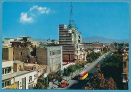 TEHERAN - Ave Shah-Abad Mercedes Ponton Taxi VW 1200 Autos - Iran