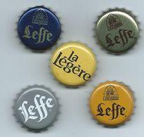 B 59 - 5 CAPSULES DE BIERE LEFFE  - DONT LA LÉGÈRE  De LEFFE - Beer