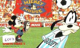 Télécarte Japon 110-177795 - DISNEY- Série SPORTS FREAK 2 (6503) MICKEY & Chien Dingo Goofy Dog FOOTBALL Japan Phonecard - Disney