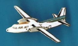 PIN'S //  ** AIR JET / AVION ATR 42-300 ** . (L.M.I. Paris) - Avions