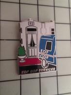 415a Pin's Pins / Rare & Belle Qualité !!! THEME : EDF GDF / EDF GDF SERVICES 1992 CAMIONNETTE BLEUE - EDF GDF
