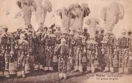 Binche - Le Carnaval - Un Groupe De Gilles - Circulé En 1927 - Animée - BE - Binche