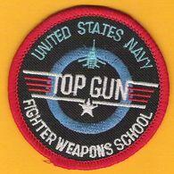 Superbe Ecusson Tissu TOP GUN United States Navy Fighter Weapons School Ecole D'Armes De La Marine Américaine - Scudetti In Tela