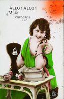 CArte Postale  Femme Téléphone - Téléphonie