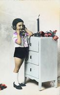 CArte Postale  CPSM  Enfant  Téléphone - Téléphonie