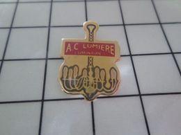 116a Pin's Pins / Rare & Belle Qualité !!! THEME : MARQUES / AMPOULE ELECTRIQUE LUMINAIRE SUSPENSION LUSTRE A.C. LUMIERE - Marques