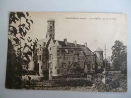 Esquelbecq  Le Chateau Vue De La Place - Sonstige Gemeinden