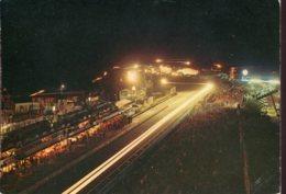 72 - Le Mans : Circuit Des 24 Heures - Les Stands De Ravitaillement La Nuit - Le Mans