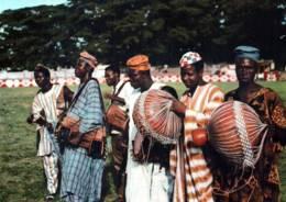 CPM - NIGERIA OCCIDENTAL - TAMBOURINEURS SHEKERE Et ARO .... - Edition Viewcards Ltd - Nigeria