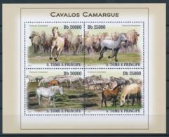 [401738]TB//**/Mnh-Sao Tomé-et-Principe 2009 - Chevaux - Caballos