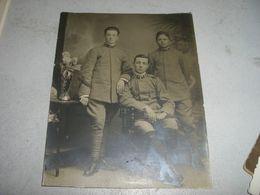 CARTOLINA FOTOGRAFICA RAFFIGURANTE DEI SOLDATI - Guerra, Militari
