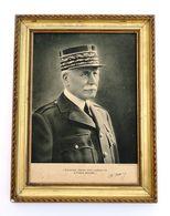 Cadre Avec Le Portrait De Marechal Pétain. 1940-1944. 2°GM/ WW2°. Noir & Blanc - 1939-45
