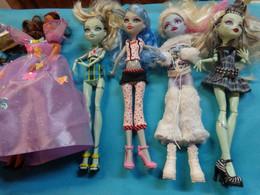Barbie Ref 3657 Mattel- Barbie Habilee Par Mes Soins - Dolls