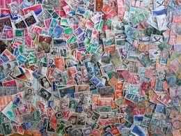 France, Lot Bien Fourni, Autour De 700 Timbres(toutes époques), Principalement Oblitérés (neufs * * MNH 25%) - Lots & Kiloware (mixtures) - Max. 999 Stamps