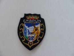 Ecusson Brodé , EMBRUN, Chamois - Patches