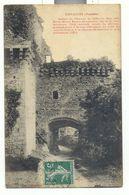 Vendée , Tiffauges , Ruine Du Chateau De Gilles De Rais,  L'entrée  Vue De La Cour Interieure - France