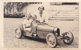 CPA Astrid, Joséphine-Charlotte Et Baudouin Dans Une Voiture D'enfants - Royal Families