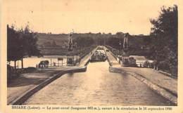 ** Lot De 3 Cartes ** 45 - BRIARE : Le PONT CANAL - CPA - Loiret ( Barge - Briare