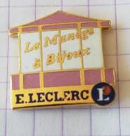 Pin's - E. LECLERC - Manège à Bijoux - Pin's