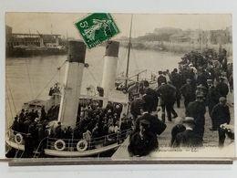 62 - BOULOGNE SUR MER - LE DEBARQUEMENT D'UN BATEAU EXCURSIONNISTE - 1908 - Boulogne Sur Mer