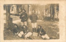 CARTE PHOTO GROUPE DE CHASSEURS ALPINS A LE TOURNAIRET - Regimientos