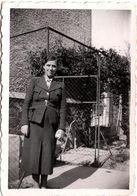 Photo Originale De Recommandation Pour Poste D'Ouvrière En Sucrerie Pour Madame Carlier En Uniforme Tailleur Vs 1940 - Guerre, Militaire