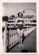 Photo Originale Portrait De La Pin-Up En Maillot De Bain, Perrine Molliter De Paris En Avril 1949 & Pub Air France - Pin-up
