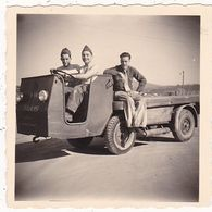 Photographie : Guerre -militaire - Militaria : Soldats Français En Pose : Camion à Définir  - Kaiserlauten - 1953 - Krieg, Militär