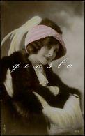 FEMME 1913 : Portrait. Belle Femme En Pose - Women